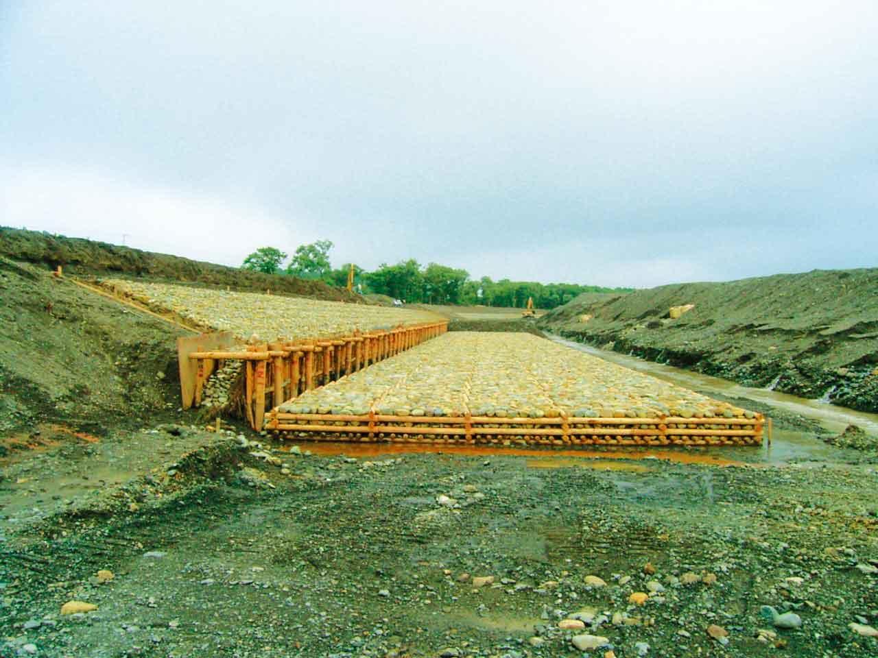 鵡川改修工事の内有明低水護岸